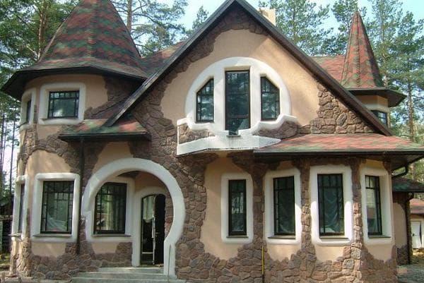 частный дом с камнем