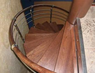 сделать винтовую лестницу