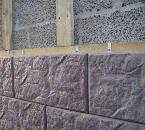 монтаж фасадной плитки с металлическими креплениями
