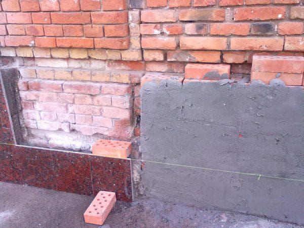 облицовка цоколя дома плиткой