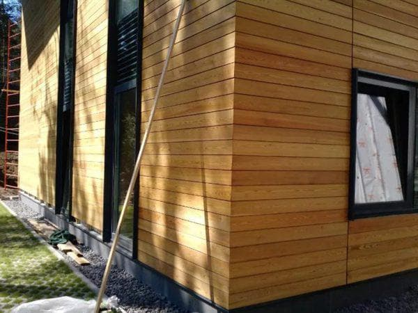 деревянные под сосну облицовочные панели для фасада дома