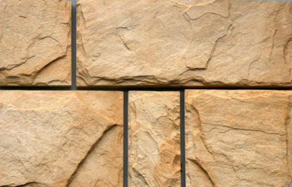 искусственный камень из полимерпесчаника для облицовки дома
