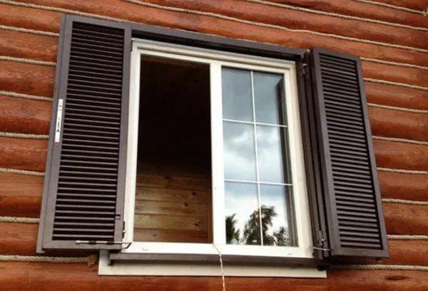ставни с двумя створками на окна для дачи