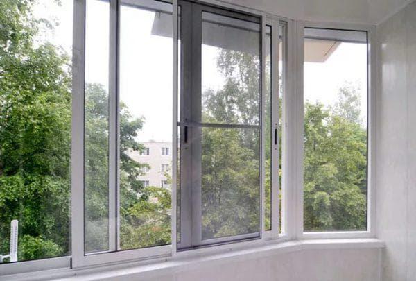 алюминиевые параллельно раздвижные окна на балкон