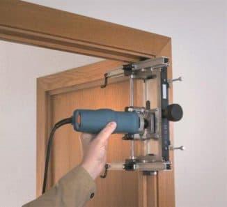 как установить двери с добором