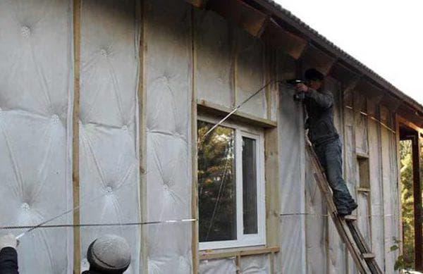 изолон для утепления кирпичного дома снаружи