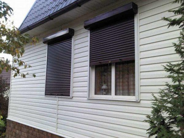 рольставни на окна для дачи