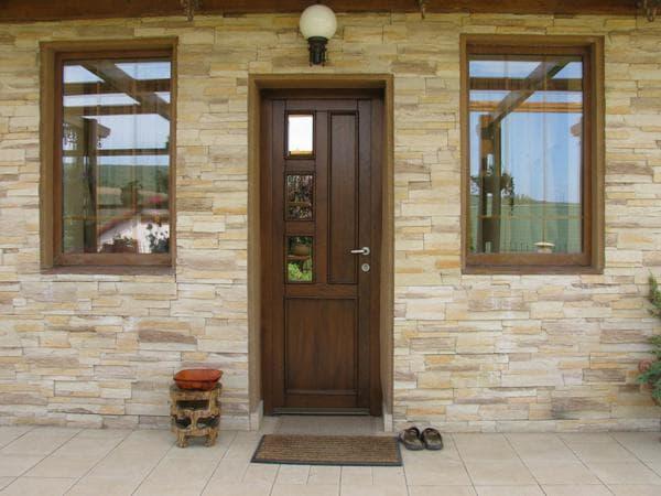 входная дверь для загородного дома со стеклом от Форт