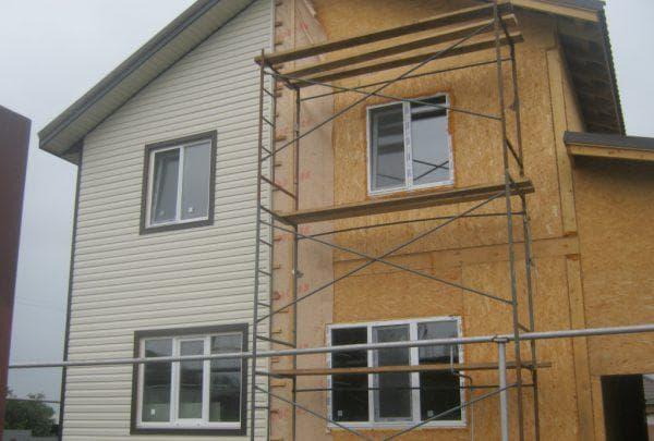 облицовка сайдингом дома из сип панелей