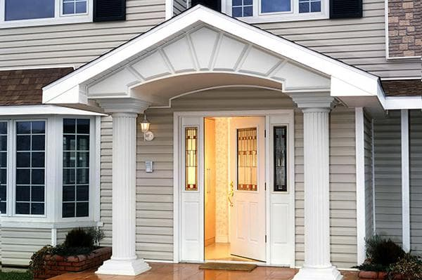 Теплые входные двери для загородного дома