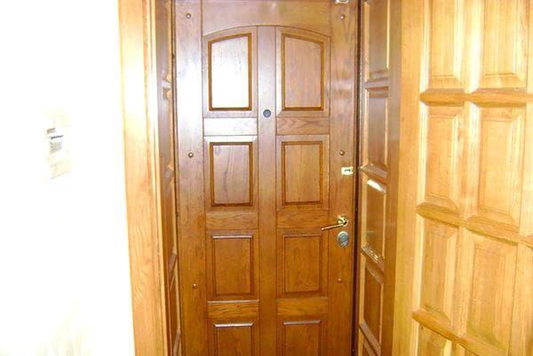 Двойная дверь  без обивки и накладок на фото