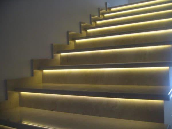 Умная подсветка лестниц