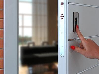 Электронный замок на входную дверь