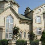 Выбираем облицовочные материалы для фасадов домов: их виды и особенности