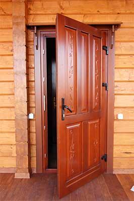 Входная дверь с коробкой