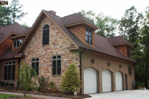 облицовка фасада дома камнем