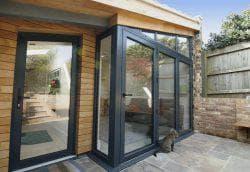 алюминиевые входные двери со стеклом для дома