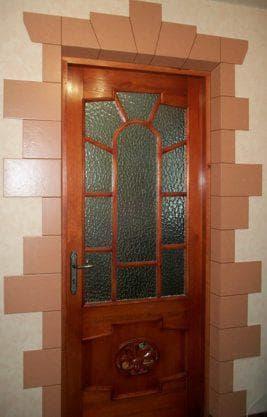керамический наличник на двери
