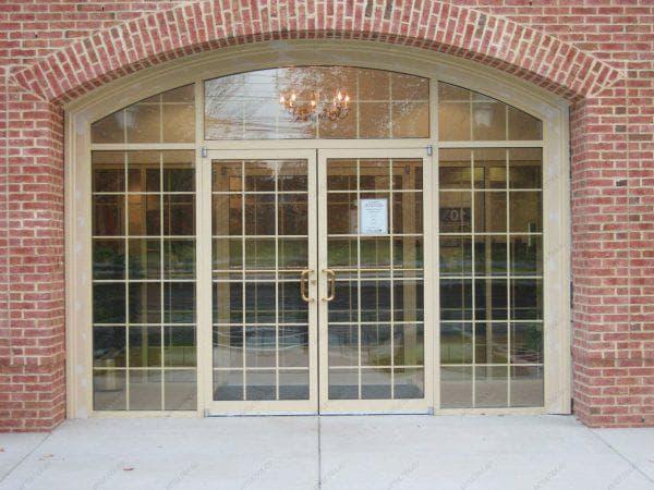 алюминиевые входные двери со стеклом от Alumark