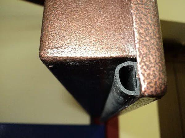 резиновые уплотнители для входных металлических дверей