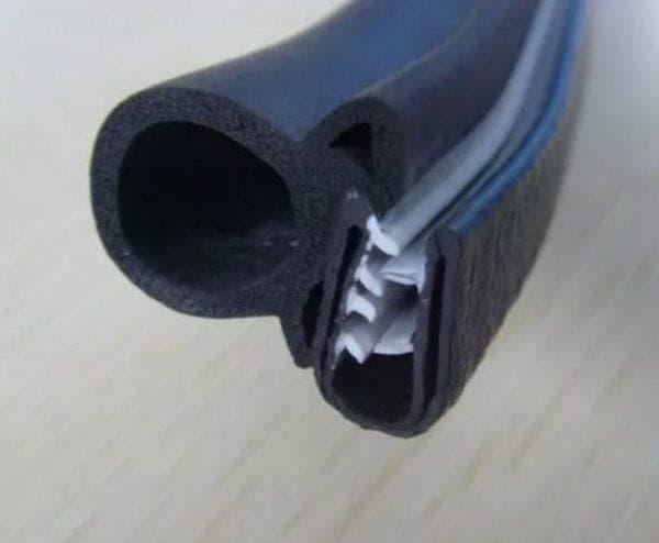 полиуретановый уплотнитель для входных металлических дверей