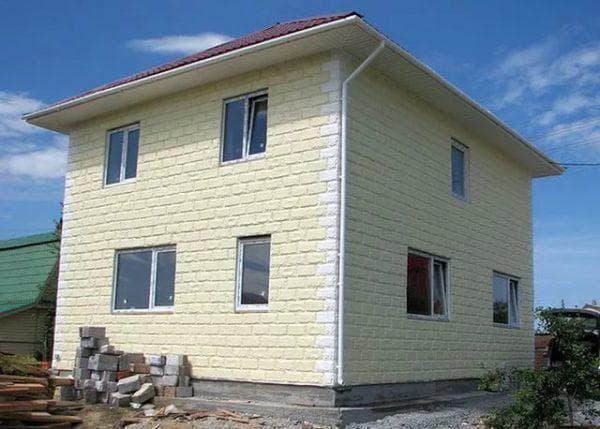 окраска фасада дома из газобетонных блоков